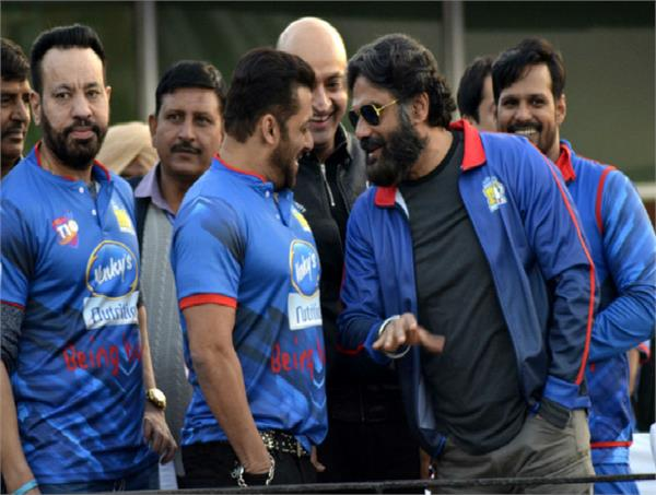 bollywood and pollywood stars at celebrity cricket league