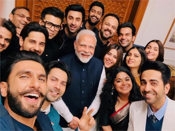 pm modi tweet deepikaand anushka to urge people to vote in large numbers