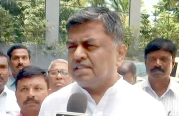 hariprasad alleges   match fixing   between pm modi and imran khan