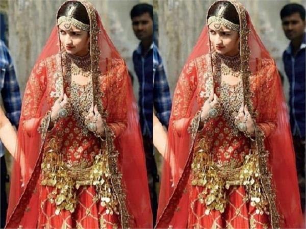 alia bhatt wore 12kg costume in film kalank