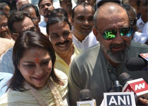 urmila matondkar priya dutt file nominations in mumbai