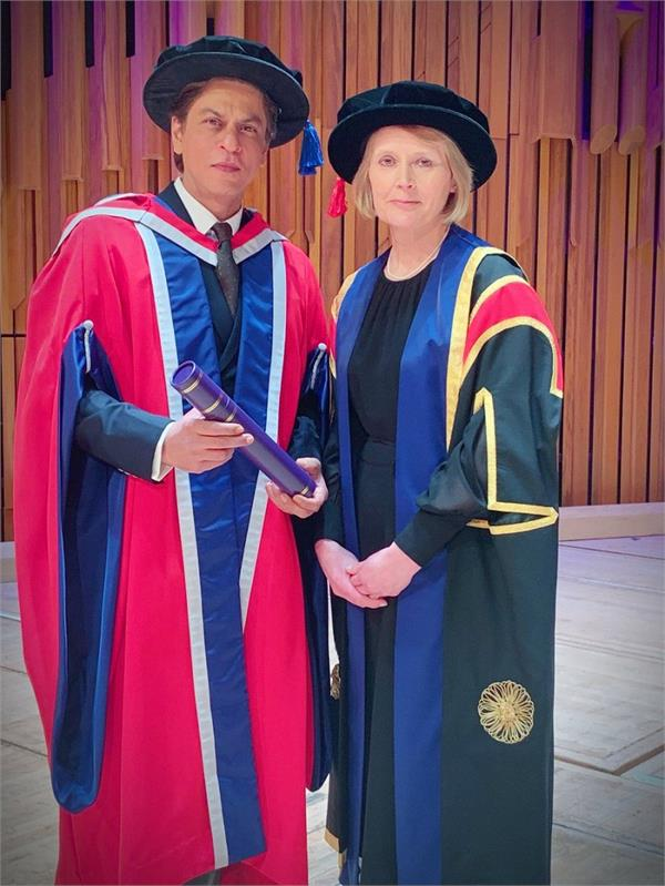 king khan gets honorary doctorate from university of law in london