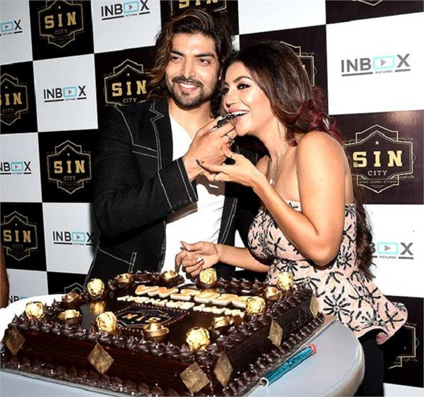 gurmeet choudhary organises a grand birthday party for wife