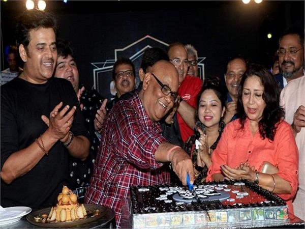 satish kaushik birthday party