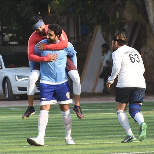 ranbir kapoor rides piggyback on abhishek bachchan during football match
