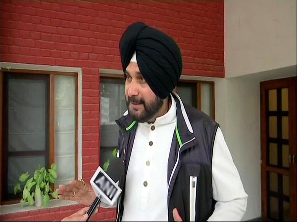 election commission issues notice to navjot singh sidhu