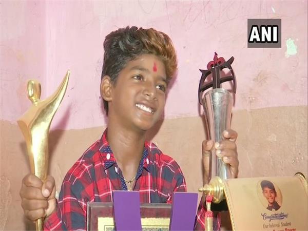 sunny pawar wins best child actor award for chippa