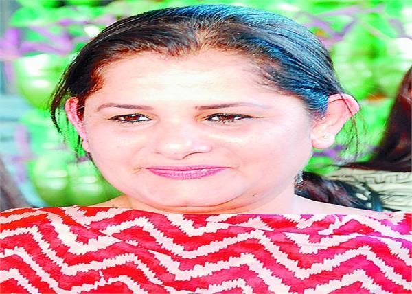 parliament gurjit singh aujla  wife  interview  amritsar