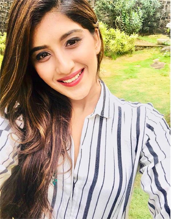nimrit kaur to make her television debut in choti sardaarni