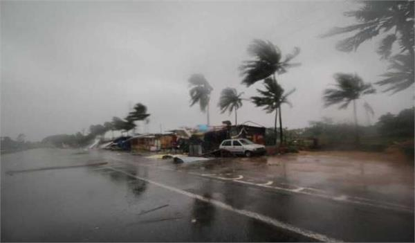cyclone fani kills four  bangladesh