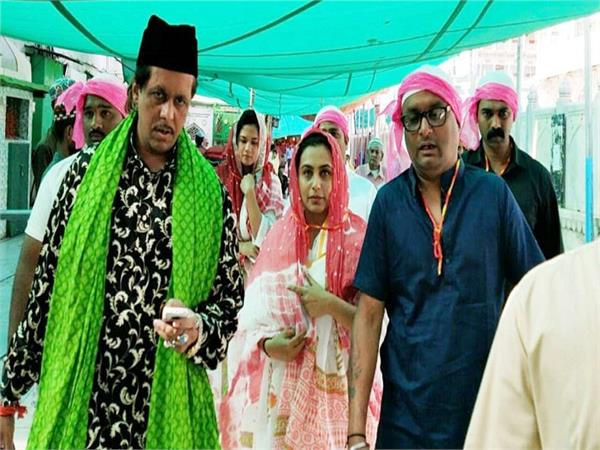 rani mukerji seeks blessings at ajmer dargah