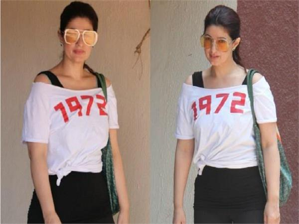 twinkle khanna goes comfy at the gym