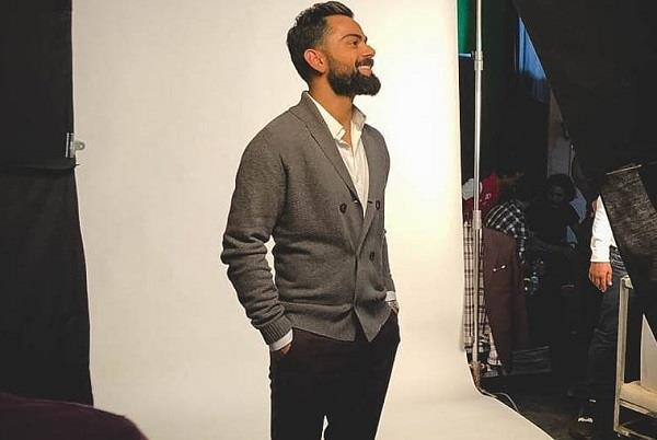 virat kohli  who became the first recipient of this on social media
