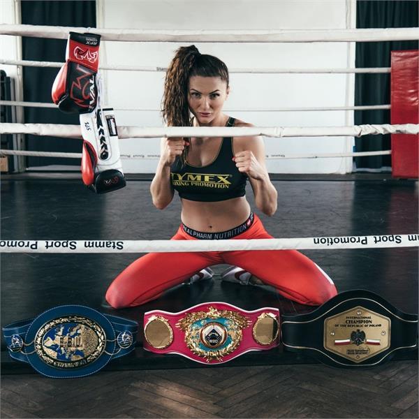 poland boxer  play boyfriend photoshot world wins title