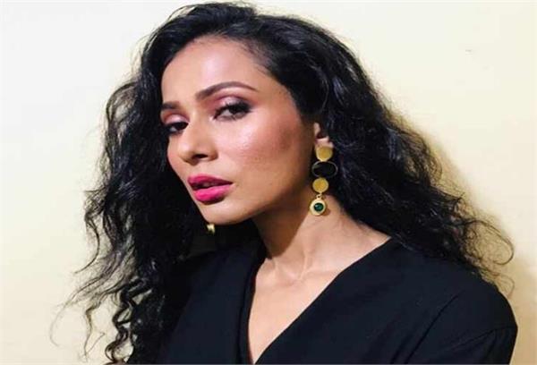 actress sengupta abusive behavior 7 people arrested