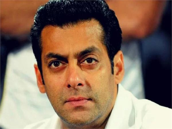 salman khan slaps his own bodyguard for misbehaving with child