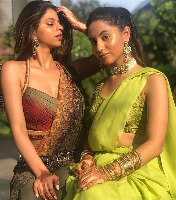 suhana and mum gauri khan look drop dead gorgeous at a wedding