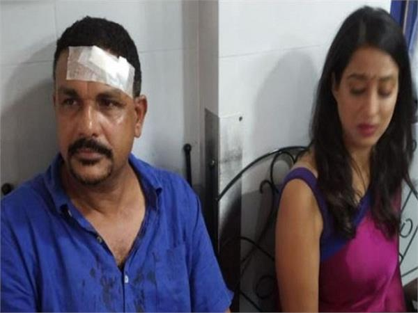 dabaang actress mahie gill attacked by goons watch video