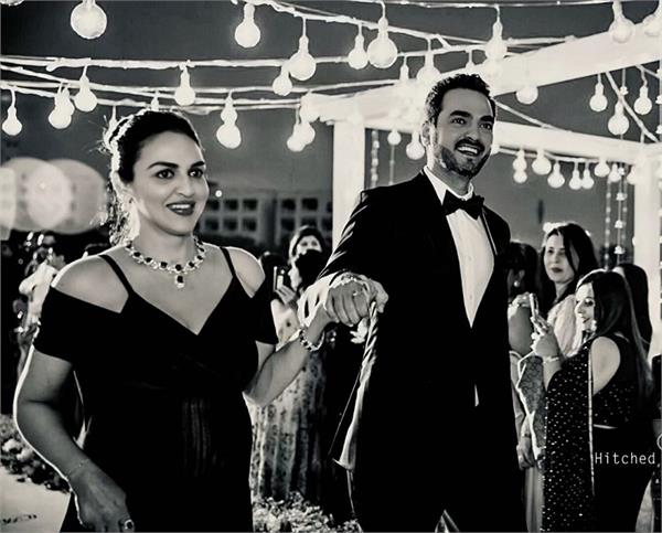 esha deol hubby bharat takhtani to celebrate their 7th marriage anniversary