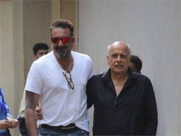 sadak 2  sanjay dutt and mahesh bhatt get teary eyed on the sets of sadak sequel
