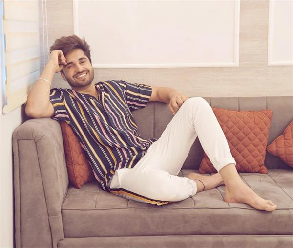 amrinder gill   sajjan adeeb song line share by jassie gill