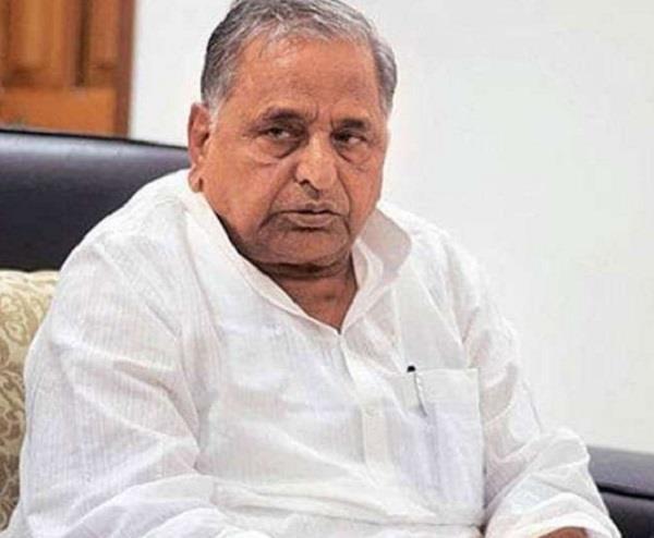 mulayam singh yadav admitted in hospital