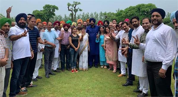 navjot singh sidhu counselor and worker