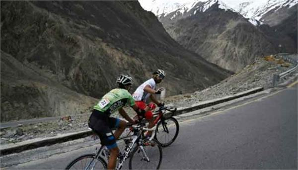 world  s most difficult bicycle race in pakistan