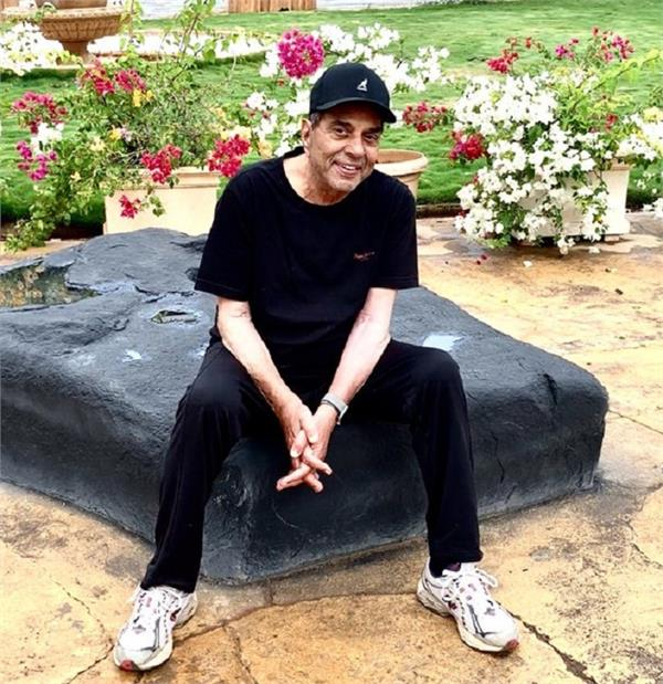 dharmendra tweets goes viral on social media