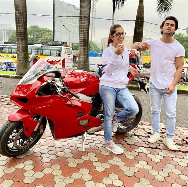 dipika kakar ibrahim enjoys her first ride with hubby shoaib on his luxury bike