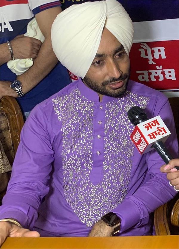 punjabi singer satinder sartaaj