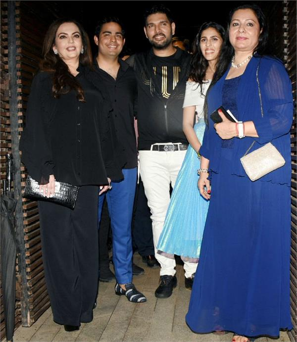 nita ambani akash ambani and shloka mehta party with yuvraj singh
