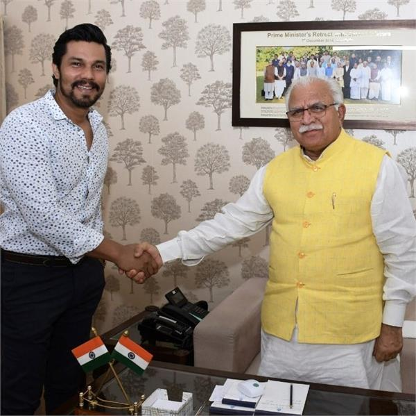 randeep hooda and cm manohar lal khattar