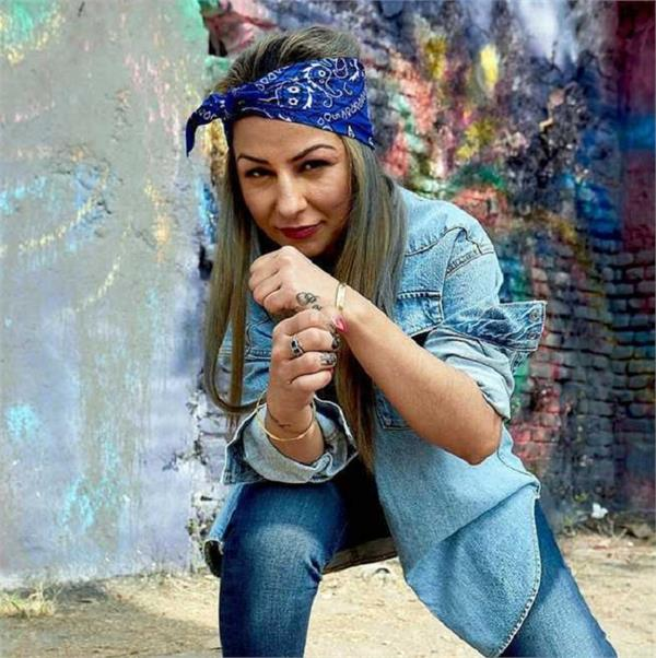 rapper hard kaur rakes controversy