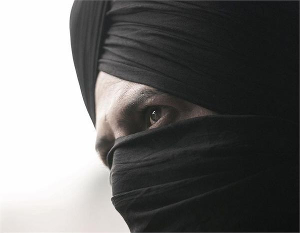 gippy grewal reveals his look from upcoming film daaka internet is impressed