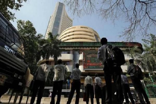 sensex recovers 291 points nifty closes at 11865