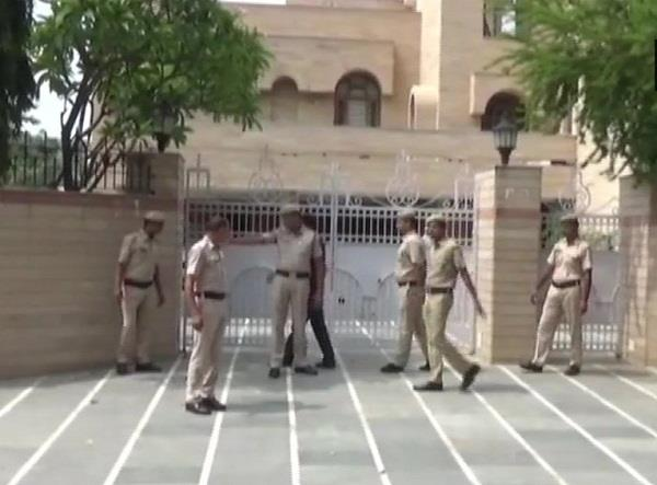 income tax department searches at residence kuldeep bishnoi