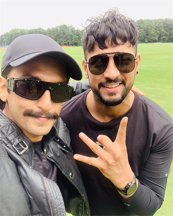 garry sandhu meet bollywood actor ranveer singh
