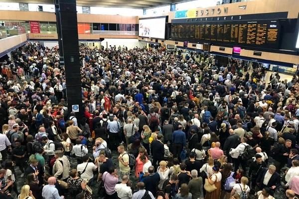 uk thousands passengers stuck trains
