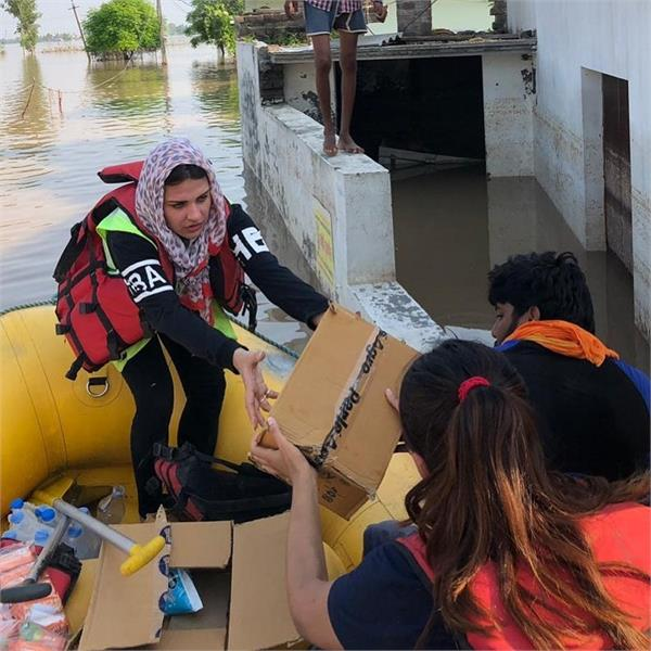 himanshi khurana panjab floods