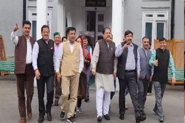 walkout of congres last day of monsoon session himachal assembly