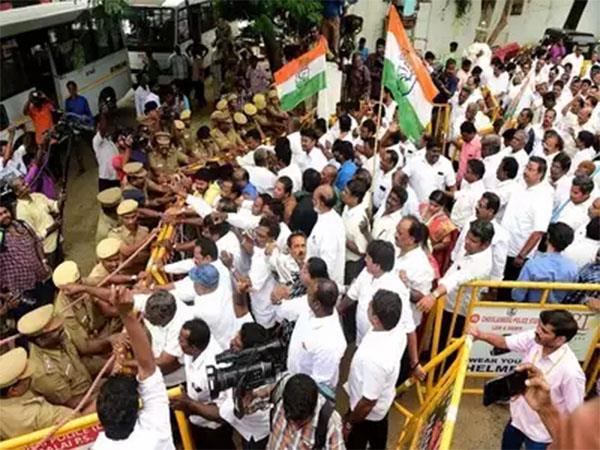 congress protest over chidambaram  s arrest in chennai