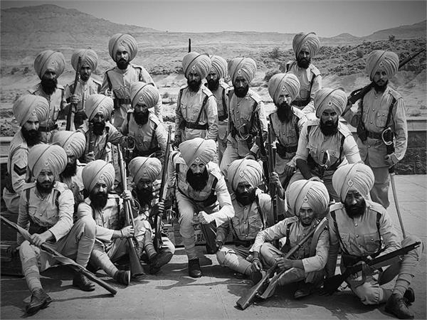 on saragarhi day    kesari   akshay kumar pays tribute to 21 sikh bravehearts