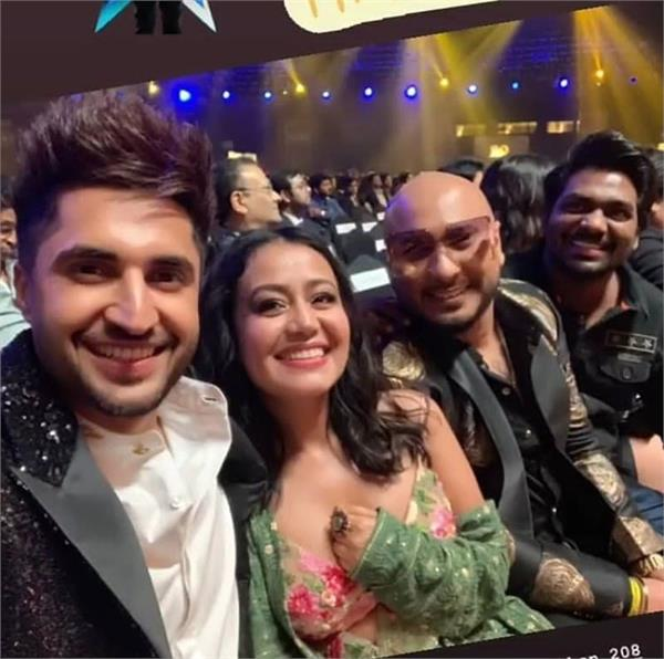 iifa 2019 jassi gill b praak wow the audience with their performance