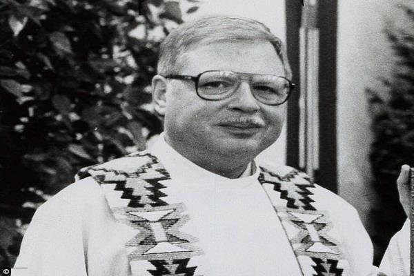 united states  pastor arthur perrault