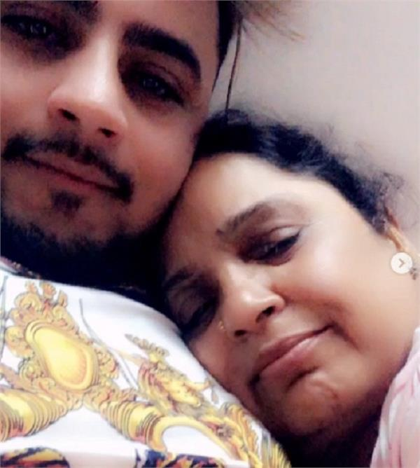 millind gaba expressed his love to mother through beautiful poem
