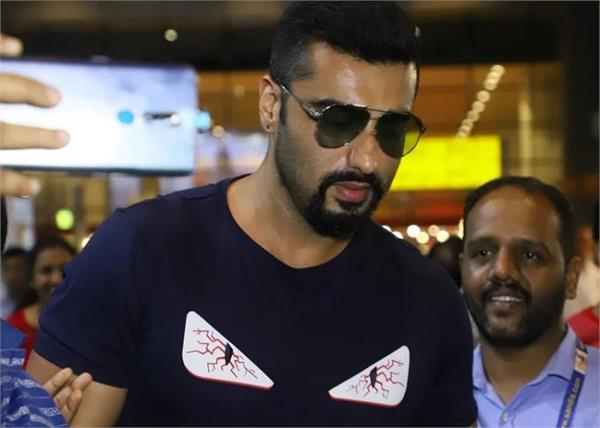 arjun kapoor will paint bandra worli sea link on rose day