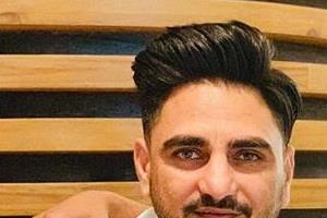 kulwinder billa and harsimran room mates in university share picture