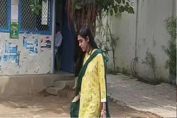 aishwarya rai came out crying from rabri house