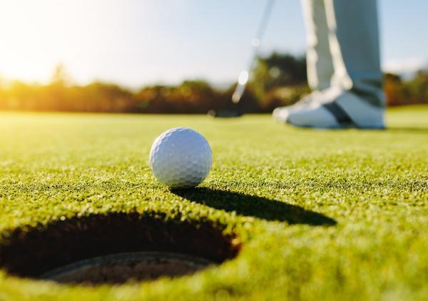 india  s karandeep kochhar moved into top 10 golf tournament
